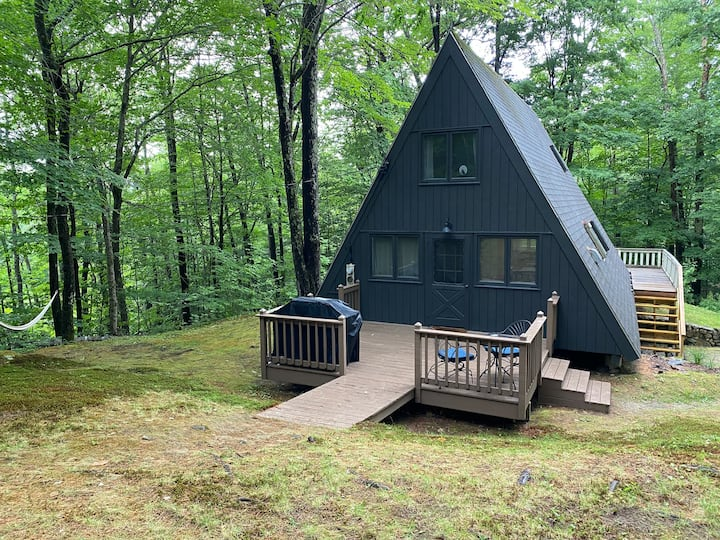 A-Frame with *Hot Tub* Near Lake Winni