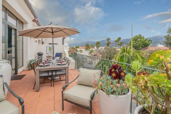 Elevated luxury condo in downtown SB! Stunning views!