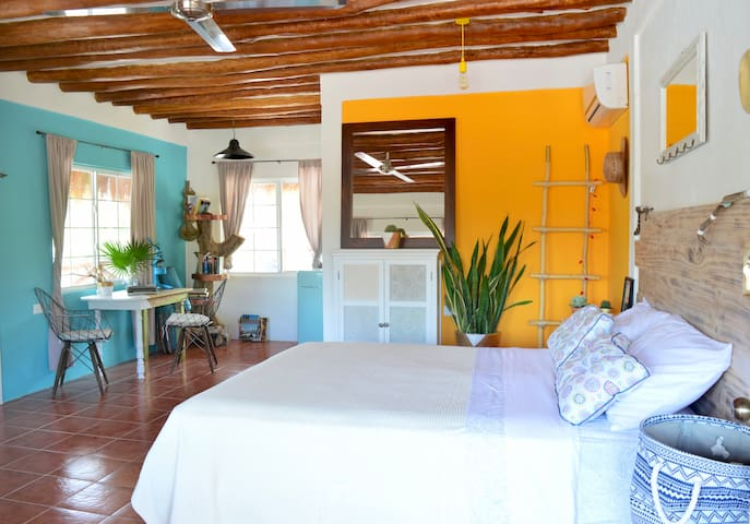 Lovely & Bright Studio, near the sea with terrace - Holbox - Apartamento