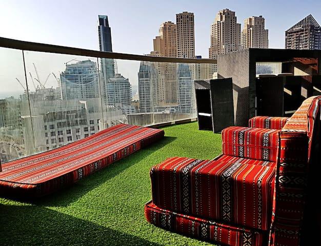 Big Bedroom w/balcony in luxury building in Marina