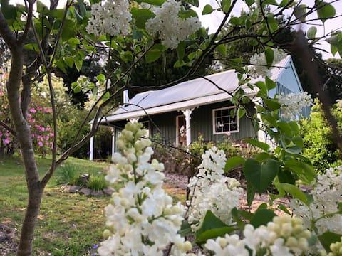 Lalla Flower Cottage - famous garden, wine region