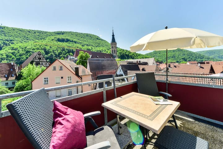 Flair Hotel Vier Jahreszeiten, (Bad Urach), Ferienwohnung Vier Jahreszeiten, 35qm, 1 Schlafraum, Dachterrasse, max. 2 Personen