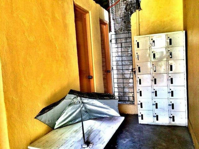 5 room lidging for rest  150/day - San Mateo - Slaapzaal
