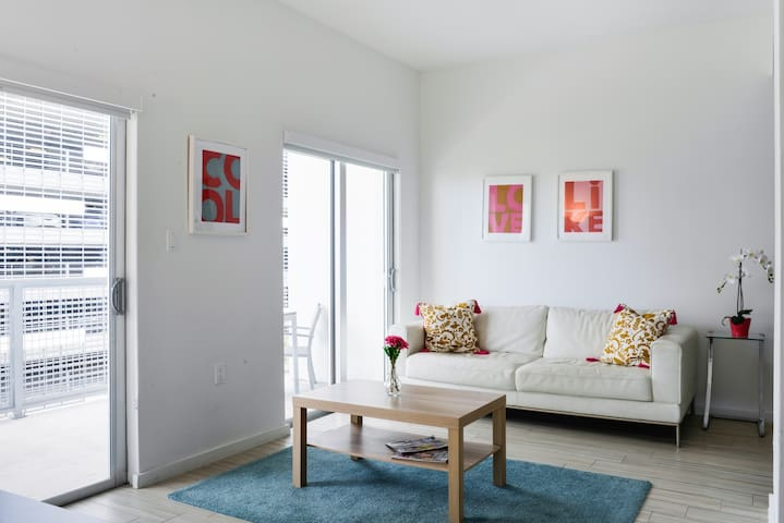 New  Modern 2/2 in Wynwood w/  CLEANING Guidelines