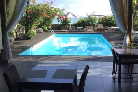 Harbour Side Lodge-wifi,swimming pool