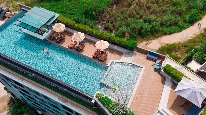 1 bedroom infinity pool at Surin beach