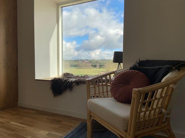 Bæredygtig bolig i smukke naturomgivelser