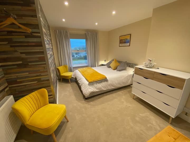 All Rooms have en-suite with sea views