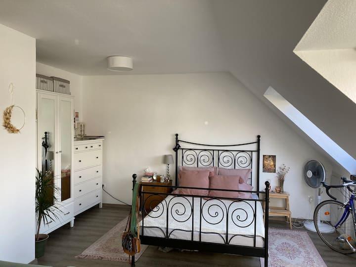 charmantes kleines Apartment in Mitten von BI