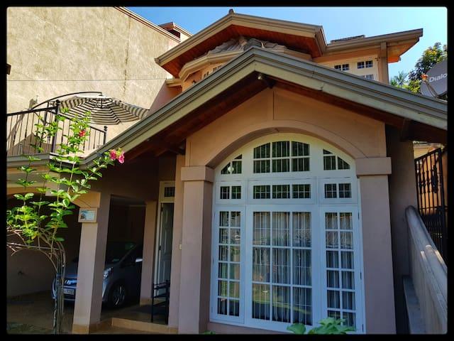 SafeHaven Family Villa In Kandy