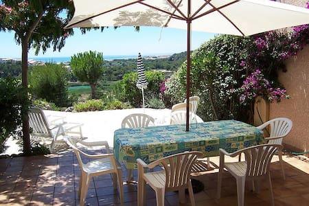 Holiday villa metres from the Mediterranean - Fleury