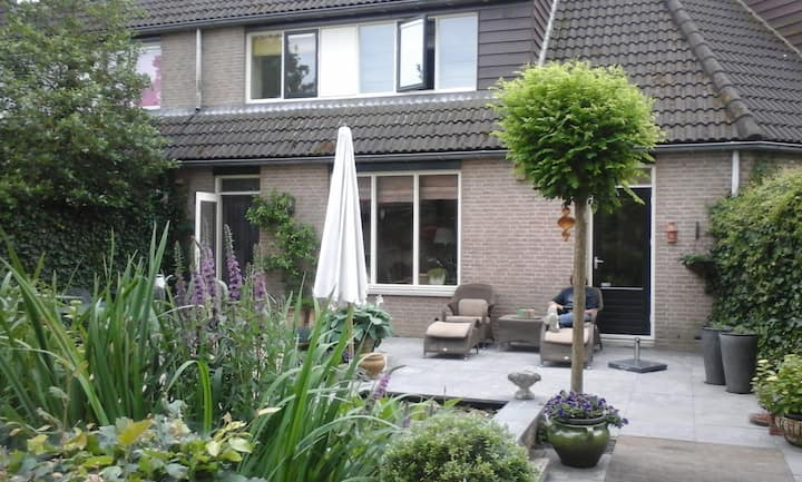 "Spacious family home in the ""garden of Amsterdam""."