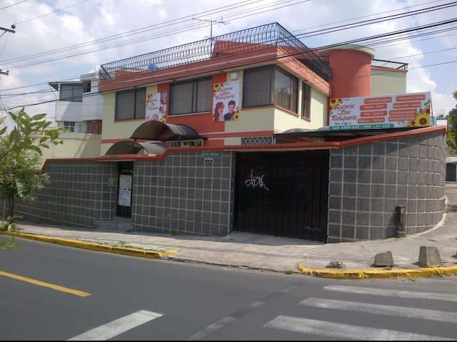 Ruby Colonial Inn Spa