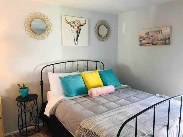 Old Town Road Prvt QN-Best Value!Wanderlust BNB-#1