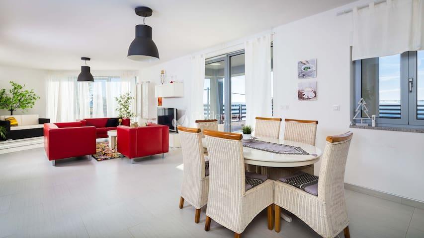 Villa Kalmar with Sea-view - Crikvenica - Villa