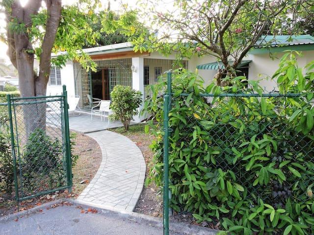 West Coast villa in Barbados - Holetown - Haus