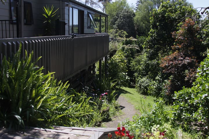 Leafy setting near to everything - Tauranga - Appartement
