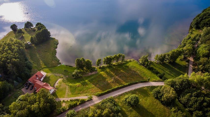 Siedlisko Kłodno, pokój z widokiem na jezioro