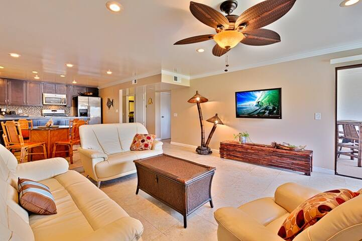 15% OFF APR - Ocean View, Pool, Jacuzzi and Tennis Courts!