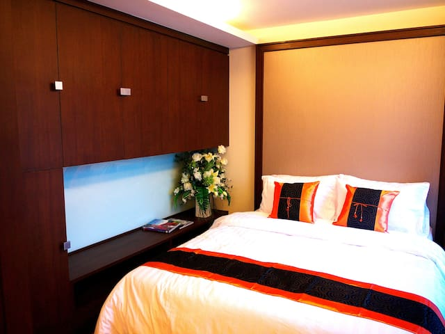 Studio 30 sqm Sukhumvit 39  (Room 1B)