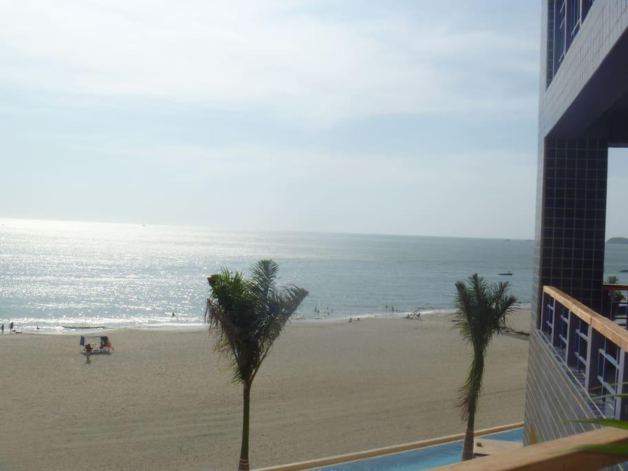 Vista maravillosa al mar