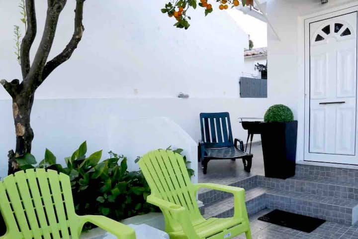 Cozy house 2 bedrooms in Estoril/Galiza/renovated