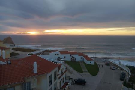 Central, vista única de praia e mar. - Silveira - Apartament