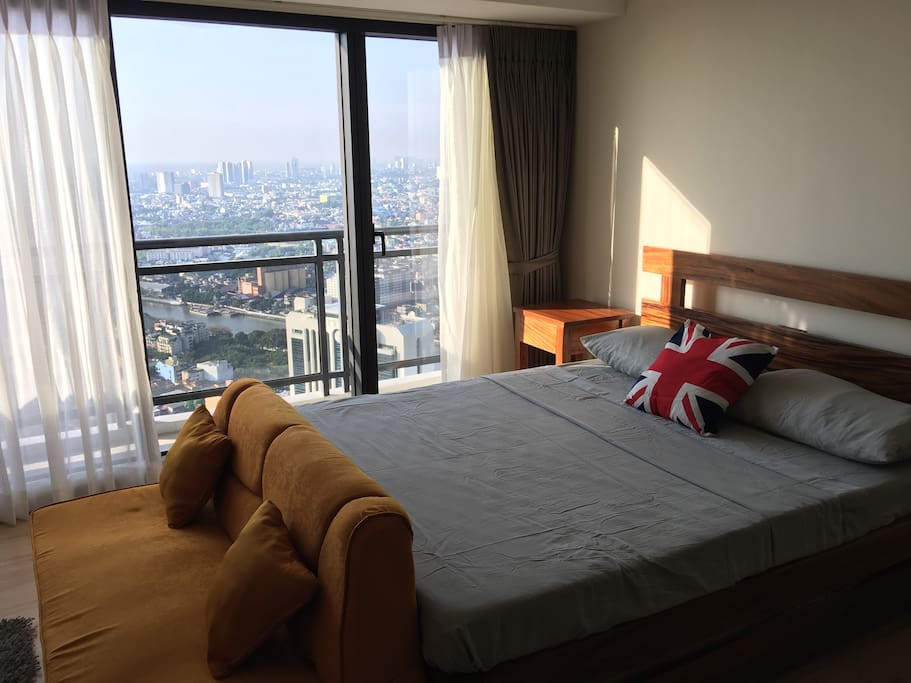 Your home in knightsbridge century city makati for Beds 4 u rylands