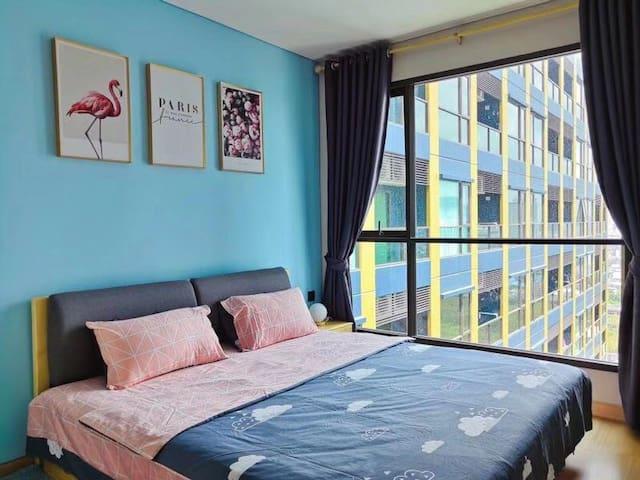 曼谷无敌夜景公寓,毗邻四面佛商圈、拉差达火车夜市,中文房东!