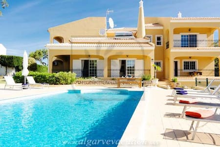 VILLA CLOSE TO QTA DO LAGO/VALE DO LOBO !! - Almancil - House