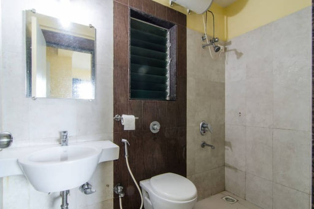 businessstay.co.in B504 Gundecha Altura Bathroom
