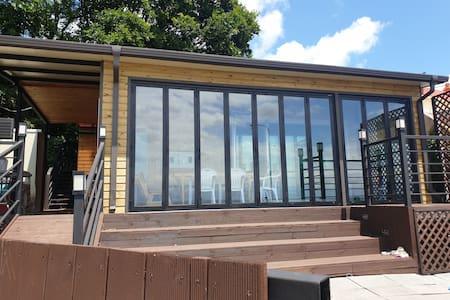 집앞에서 해수욕 가능한 바다에 붙은집~ 님의 세컨하우스 바닷가 예쁜우리집~ 2동 독채전체