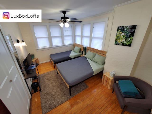 The Olive at LuxBox Lofts ★ 2 Bed Private Room
