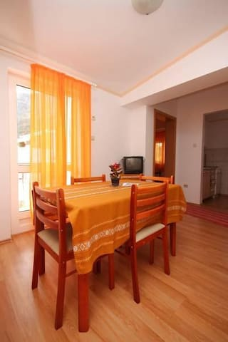 Two bedroom apartment with balcony and sea view Gradac, Makarska (A-6820-b) - Gradac