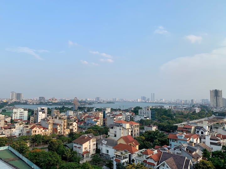 View full of Westlake, large and airy space