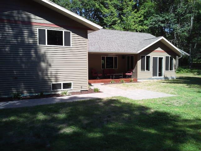 TK's Cabin Retreat - year-round recreational fun