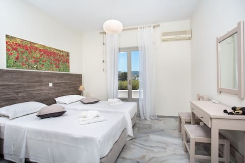 Heart of Paros Apartments - Eva Apartment