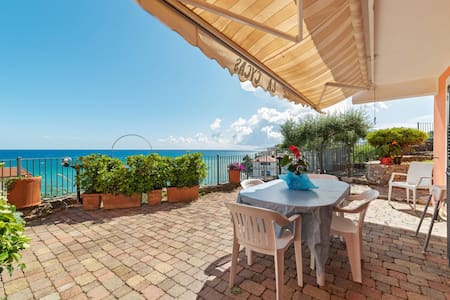 Delightful Apartment in Villammare with Terrace