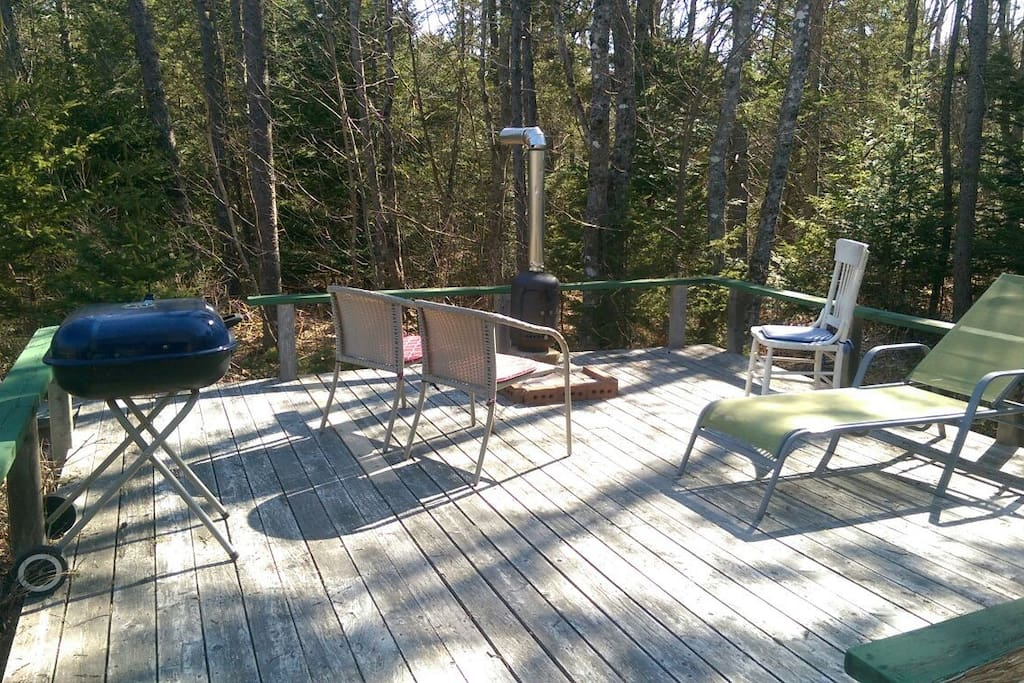 Deck, outdoor fireplace and BBQ - April 2017