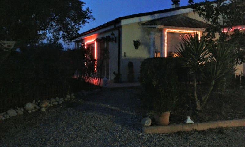affitto Villa :la casa del dindolo' - Citta' Sant'Angelo - Casa