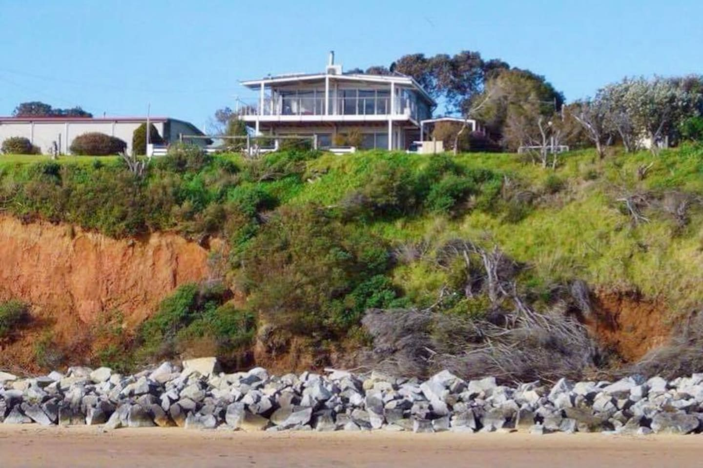 """Perched on cliffs overlooking the sea. """"This place is so great. Right on an elevated beachfront, with beautiful views and so very peaceful"""""""