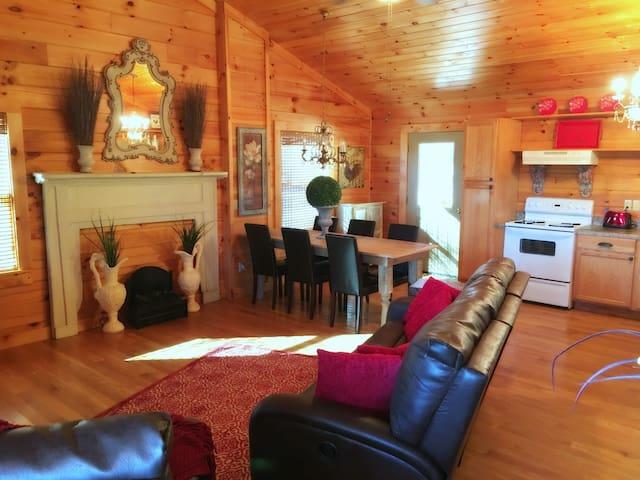Tennessee Retreat Log Cabin Near Dale Hollow Lake