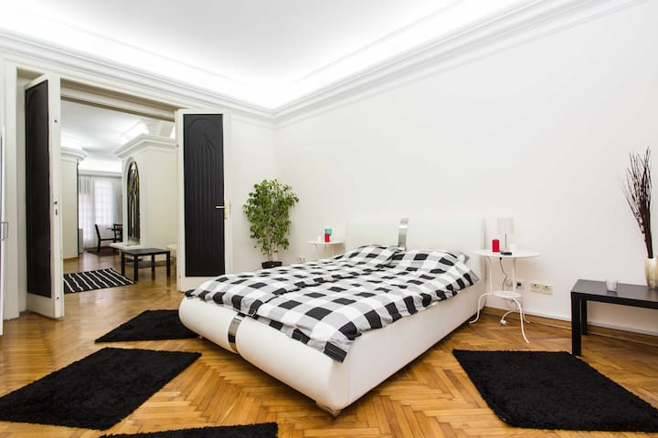 Belgrade heart apartment LUX