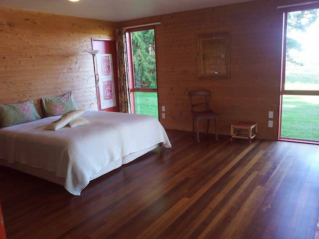 Stunning, pvt, beach view room - Takaka - Casa