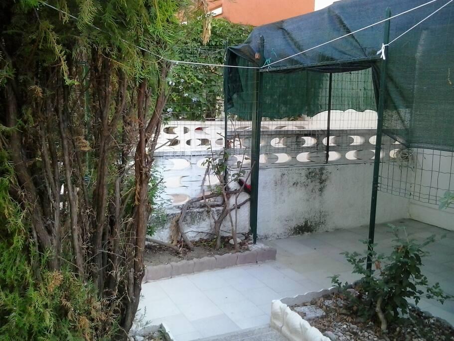 il cortile privato dell'immobile