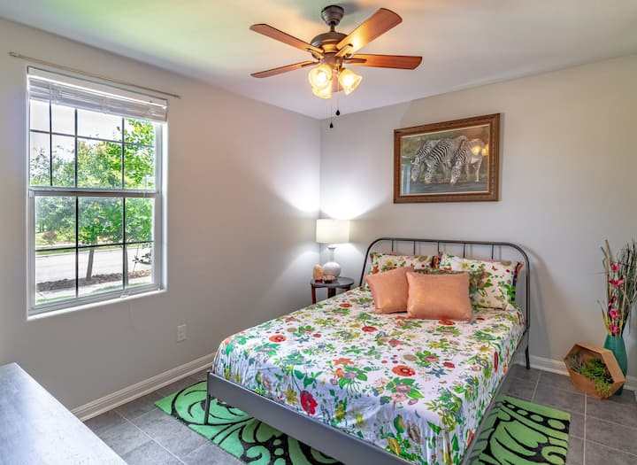 Cozy and Private Quality Guestroom and Gameroom
