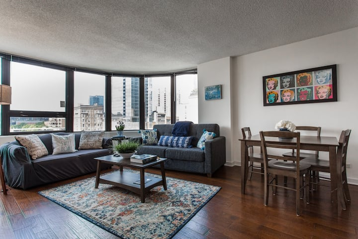 Michigan Ave KING BEDS #5 | Grant Park 2bd/2ba