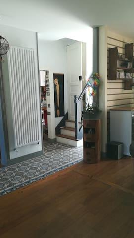 Chambre dans maison de bourg cotier