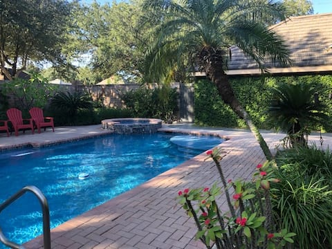 Heated Pool & Hot Tub at Single Level McAllen Home