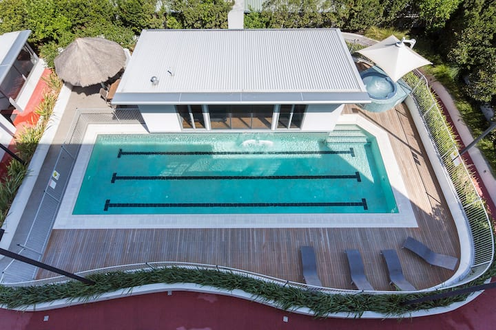 Contemporary Apartment in Fremantle-Pool and Spa